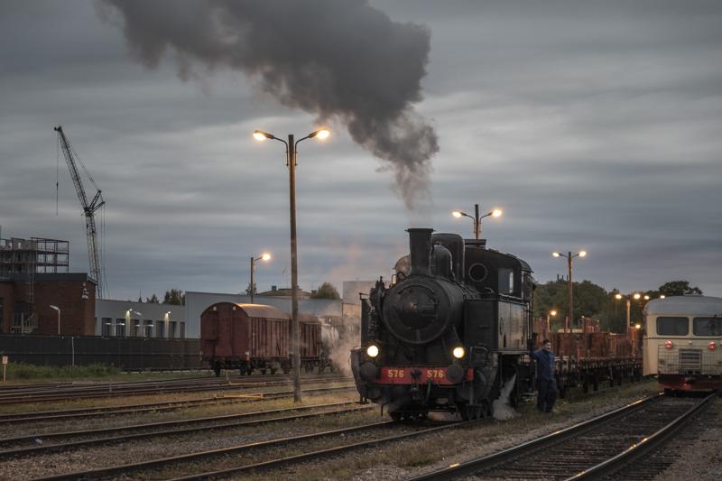 191005-238